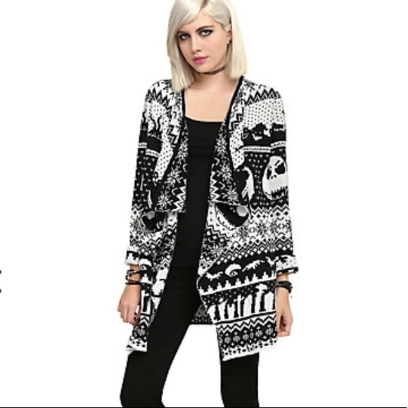 Hot Topic Nightmare Before Christmas Sweater.Nightmare Before Christmas Cardigan